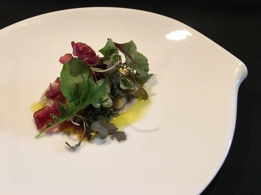 牡蠣のソテー 菊芋のピューレと紫芋のチップ