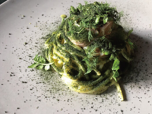 ハマグリとホタテ かつお菜のソース