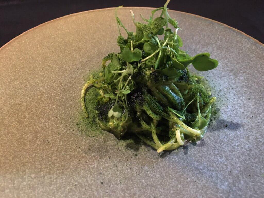 牡蠣と菜の花のソース